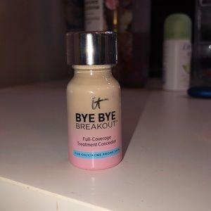 Bye Bye Breakout it Cosmetics Concealer